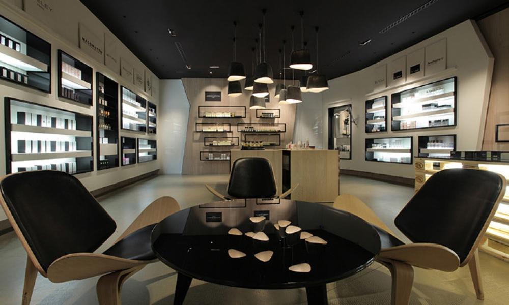 Creme de la Creme Perfume Store Design